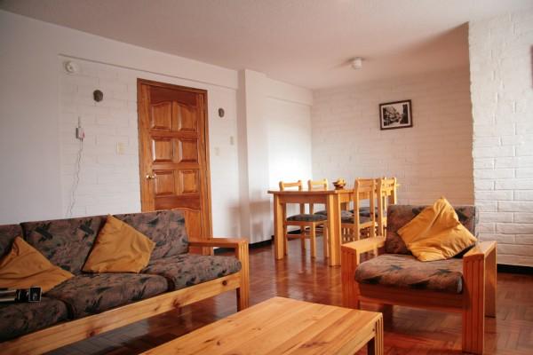 Sala de estar y comedor. Apartamento para 5 personas.